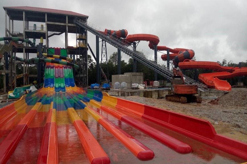 Samariang Kuching & Theme Park Raft Conveyors